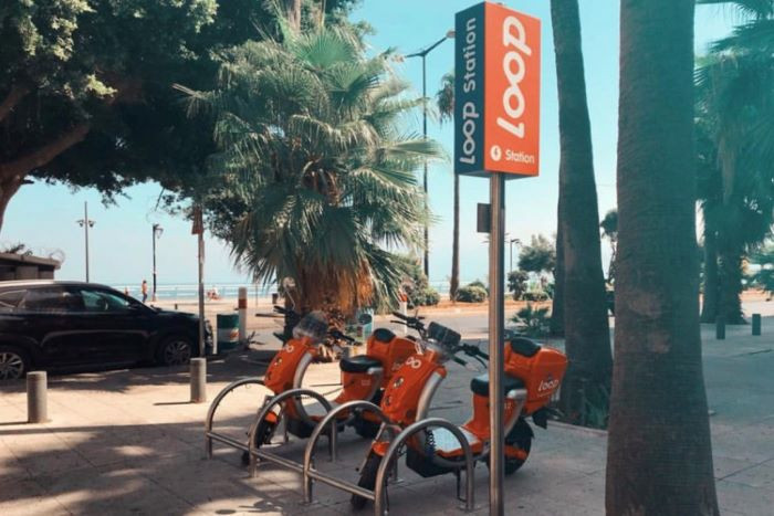 Loop Around Traffic on Shared Electric Scooters